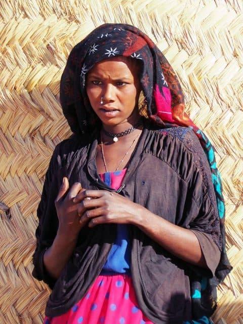 Mujer toubou en el norte de Chad