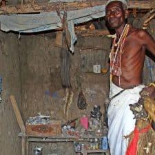 Sacerdote vudu en Benin